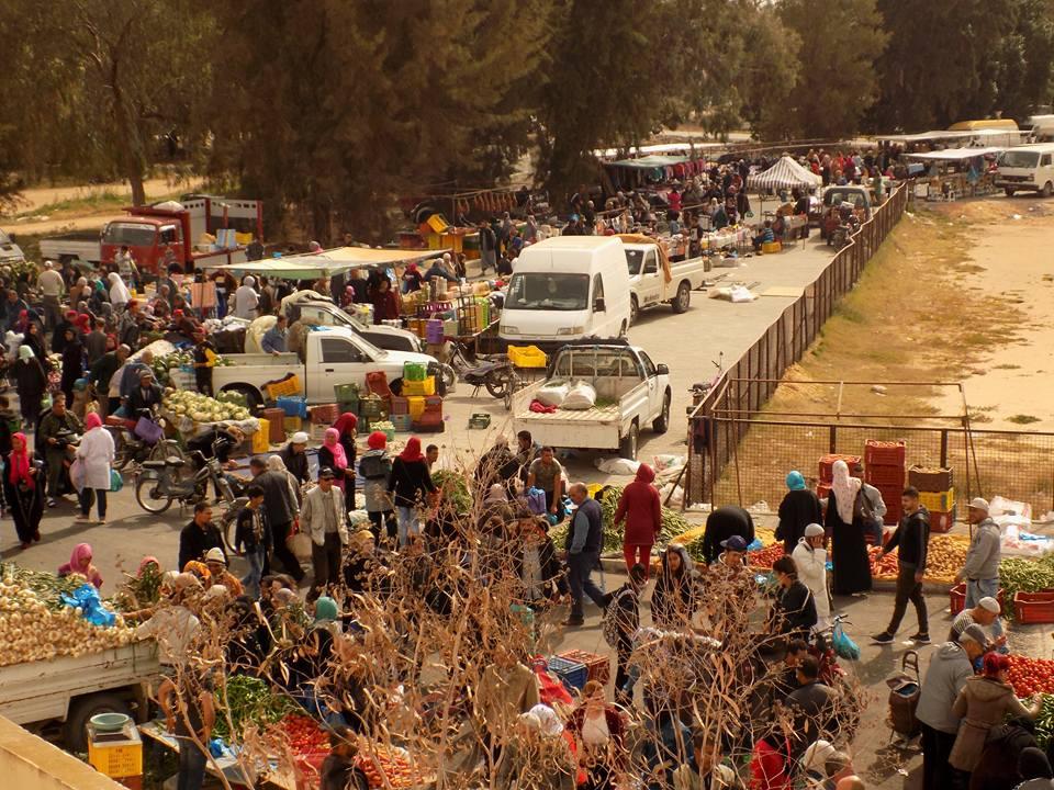 السوق الأسبوعية للإنتصاب الوقتي بمنطقة وادي الشعبوني